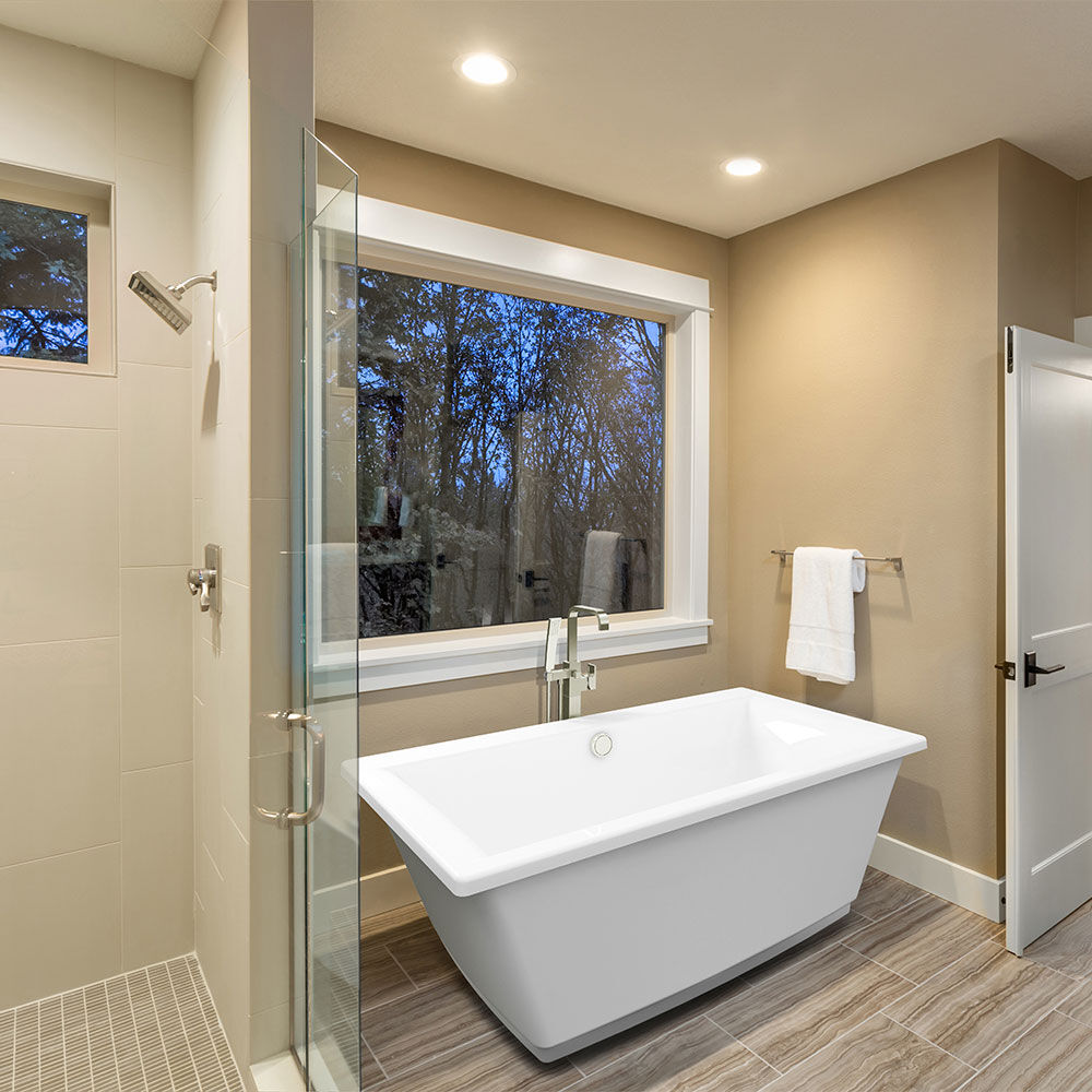Fia™ Freestanding Bath
