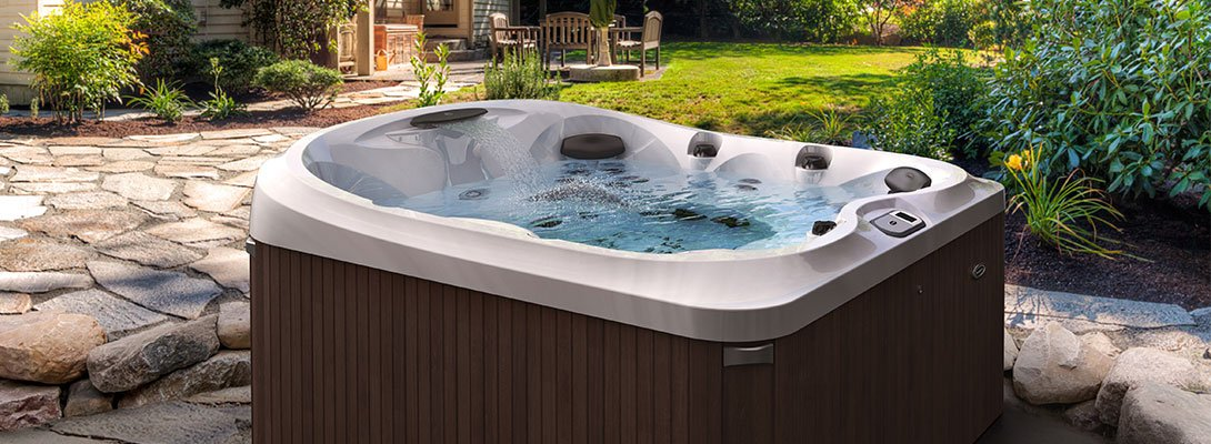 5 Tips To Stay Cool In Your Hot Tub Jacuzzi Com Jacuzzi